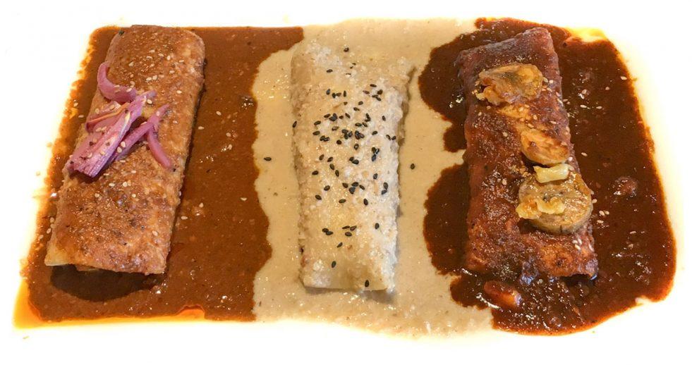 Platon de Enchiladas de Mole at Hecho en Mexico restaurant in Austin, TX
